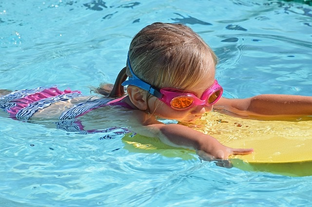 גלשן ילדים ומשקפי צלילה לקטנים מה לעשות עם ילדים באילת